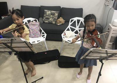 Kids Learning violin sg